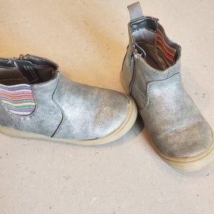 Cat and Jack size 9t metallic/rainbow boots